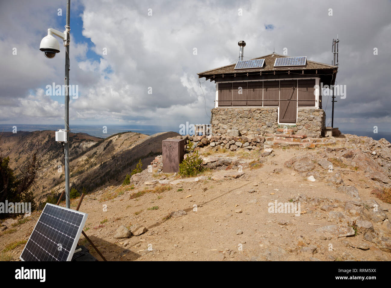 WY03845-00...WYOMING - Mount Sheridan Lookout located high above Heart Lake in the backcountry of Yellowstone National Park. - Stock Image
