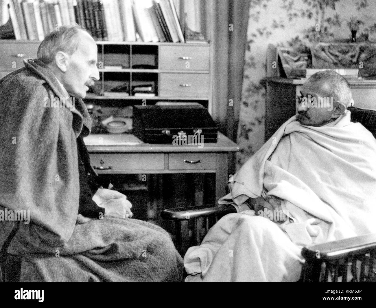 Gandhi, Mohandas Karamchand, Mahatma, 2.10.1869 - 30.1.1948, Indian politician, during conversation with Romain Rolland, Villeneuve, 10.12.1931, Additional-Rights-Clearance-Info-Not-Available - Stock Image