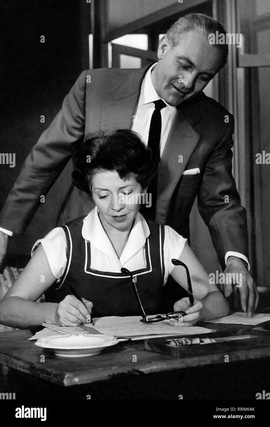 Meysel, Inge, 30.5.1910 - 10.7.2004, German actress, half length, with Hans Povetsch, 1950s, Additional-Rights-Clearance-Info-Not-Available - Stock Image