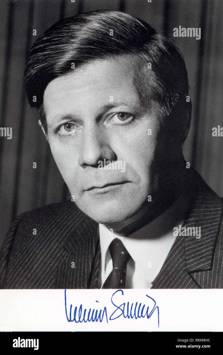 Schmidt, Helmut, * 23.12.1918, German politician (Social Democratic Party of Germany (SPD), Federal Chancellor 16.5.1974 - 1.10 1982, portrait, autograph postcard, early 1970s, Additional-Rights-Clearance-Info-Not-Available - Stock Image
