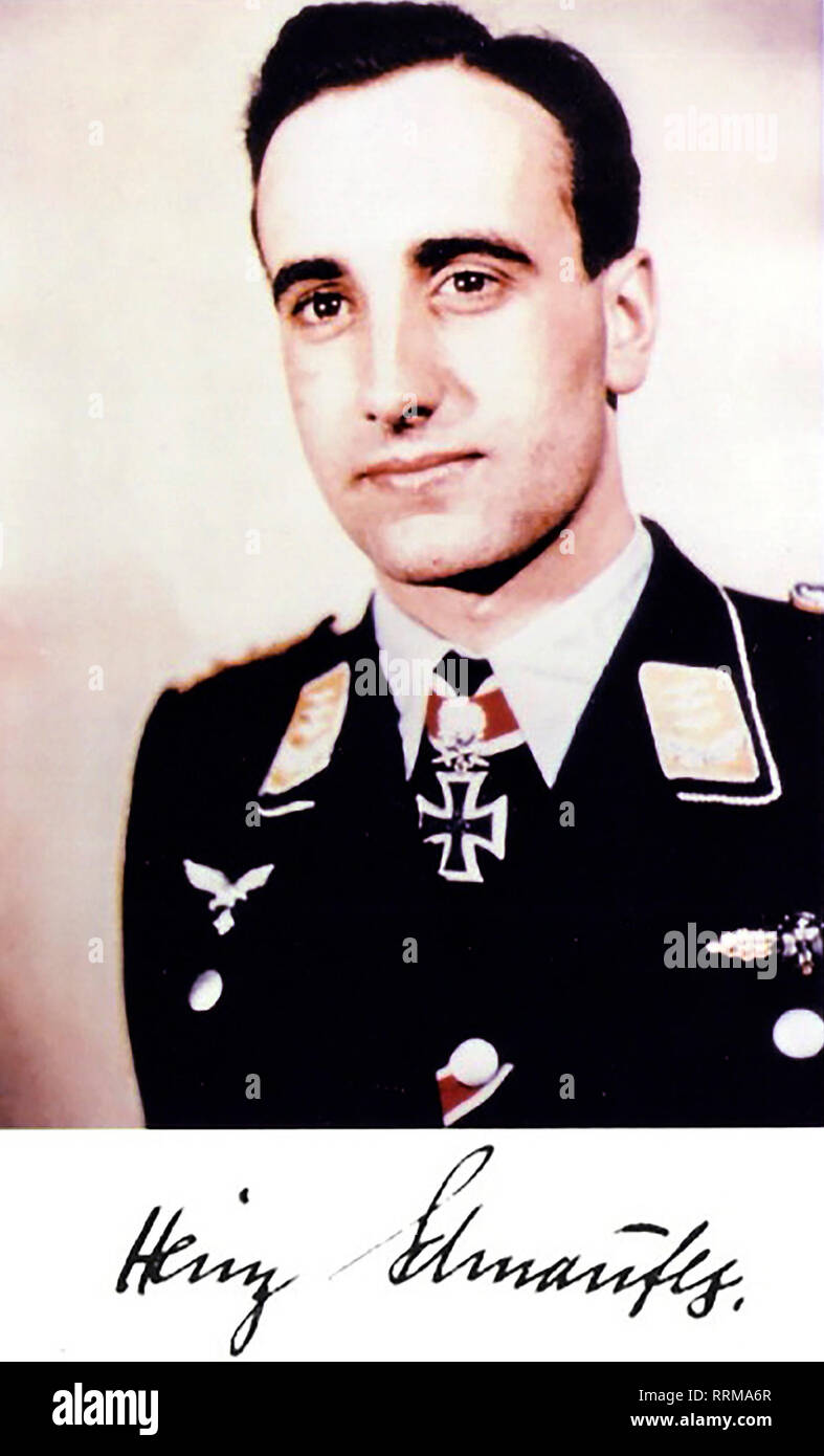 Schnaufer, Heinz-Wolfgang, 16.2.1922 - 15.7.1950, German air force officer, portrait, with autograph, 1944 / 1945, Additional-Rights-Clearance-Info-Not-Available - Stock Image