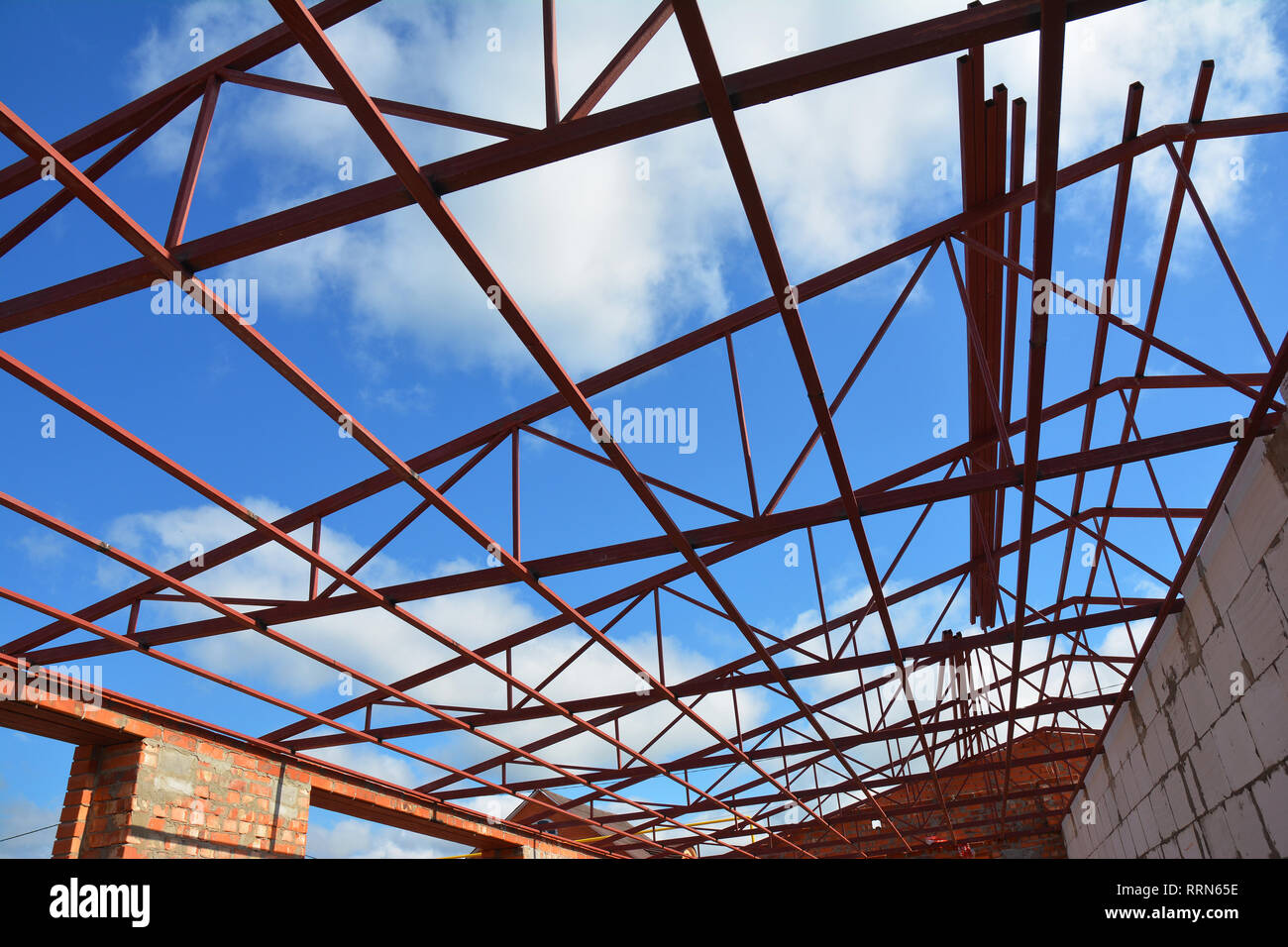 Steel Roof Trusses High Resolution Stock Photography And Images Alamy