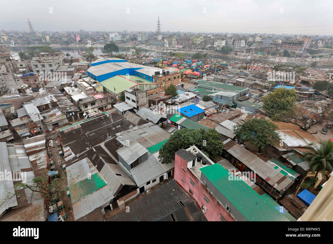 Dhaka, Bangladesh - February 26, 2019: A view of the Dhaka Metropolitan city Lalbagh area Dhaka. A city of over 15 million people, appears to be bursting at the seams. It presents, almost everywhere, a spectacle of squalor, shanty dwellings, awful traffic congestion, shortage of basic utility services, lack of recreation sites or natural parks and playgrounds, unclean air, intrusion of commercial establishments and manufacturing into residential areas, etc. Credit: SK Hasan Ali/Alamy Live News - Stock Image