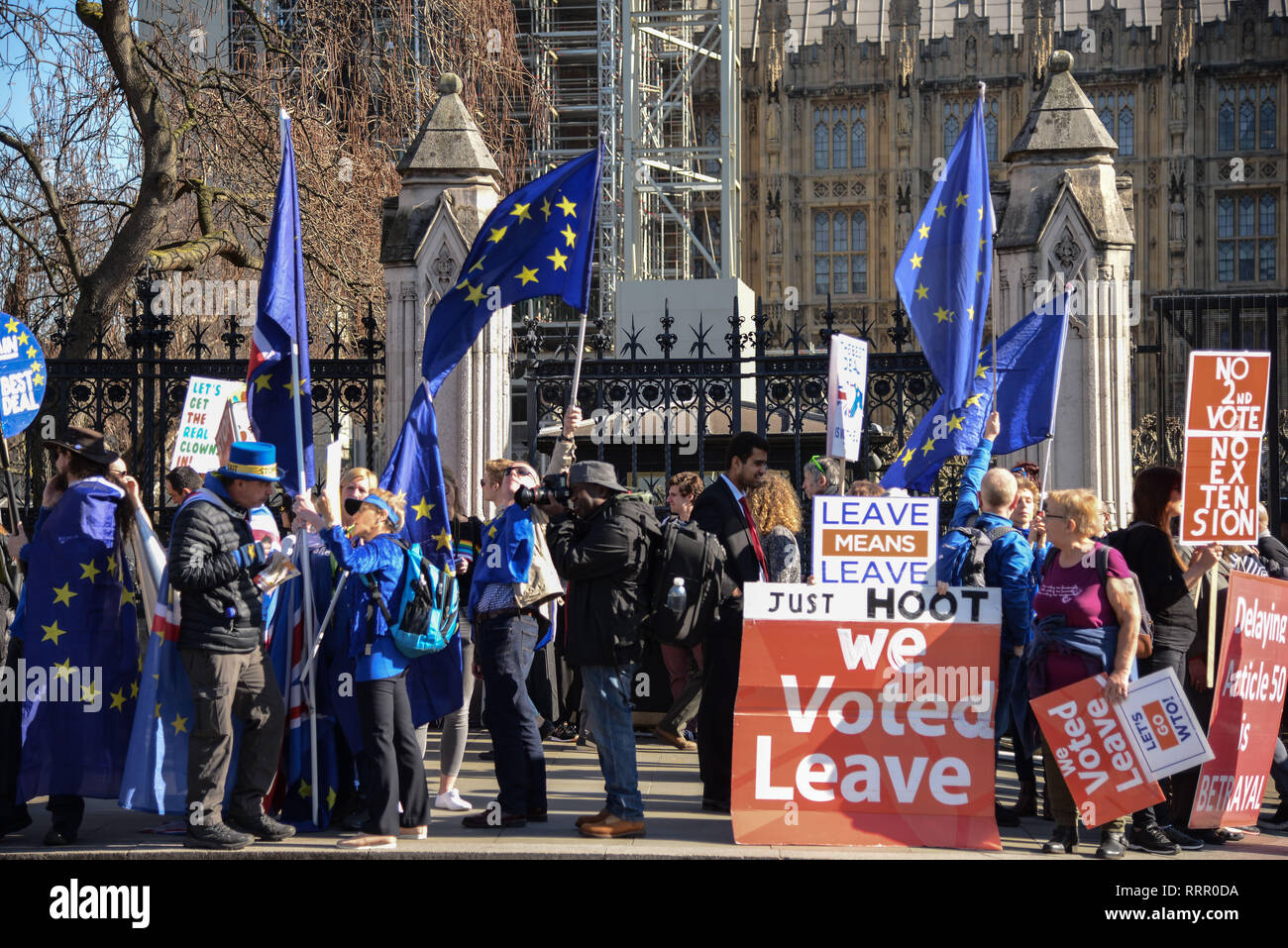 London, UK. 26th  Feb, 2019.Remain and Leave campaigners outside the Houses of Parliament.  Credit: Claire Doherty/Alamy Live News Stock Photo