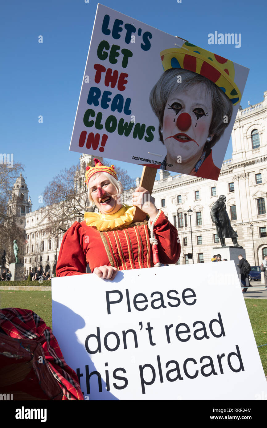 London, UK. 26th February 2019. Professor Queen Bee, having an alternative Brexit protest on Parliament Square, London, UK, today, objecting be compared with politicians. Credit: Joe Kuis/ Alamy Live News - Stock Image