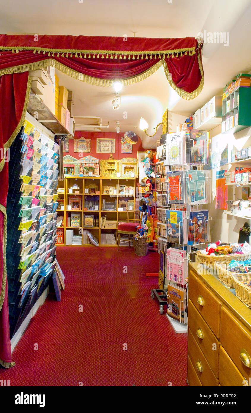 Vintage toys for sale in the vintage toy shop Benjamin ...