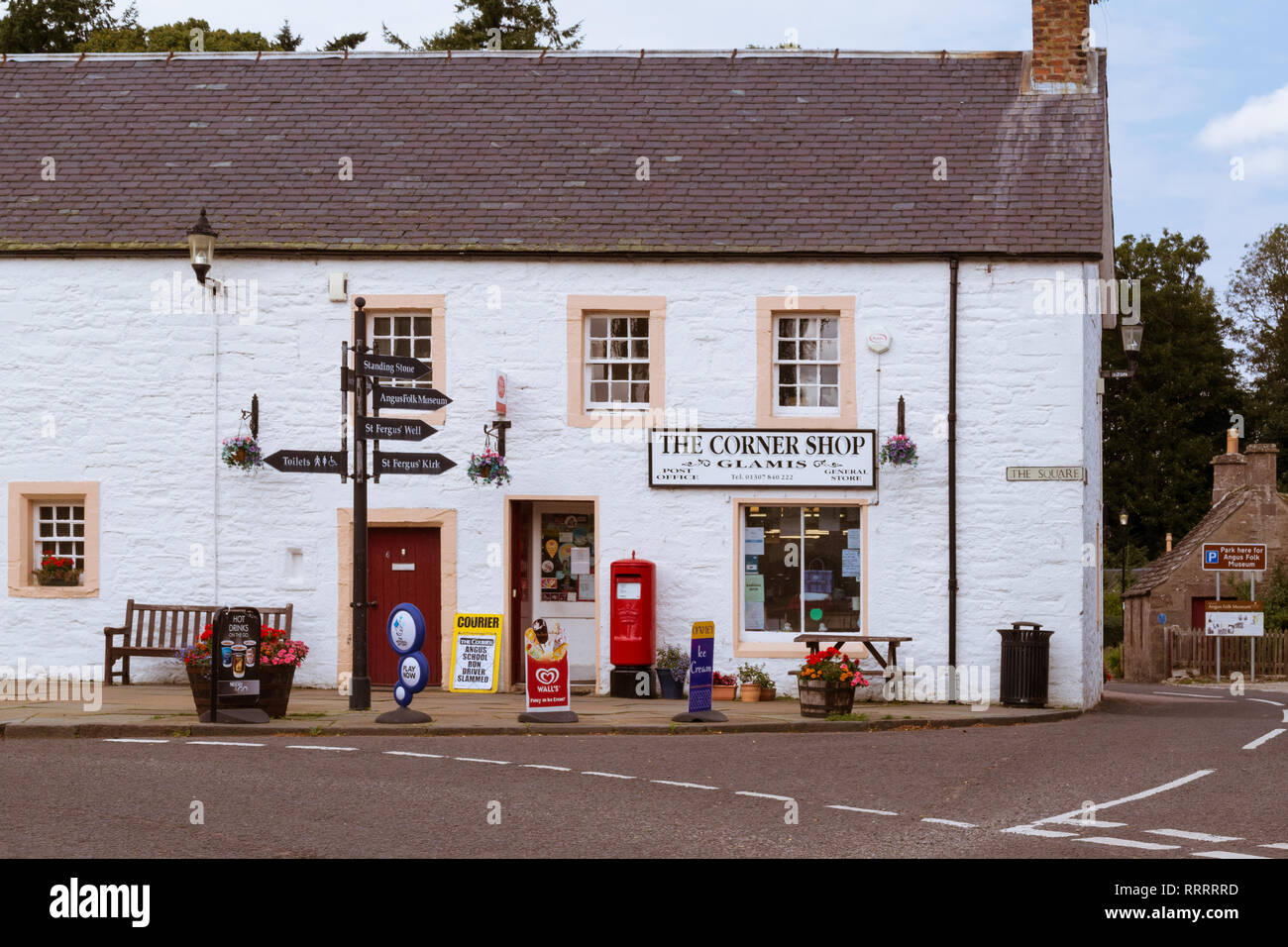 The Corner Shop and Post Office, Glamis, Angus, Scotland, UK - Stock Image