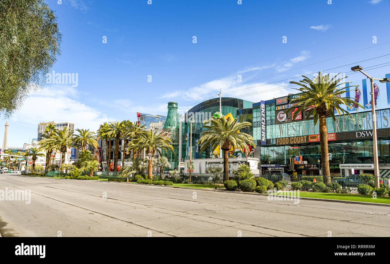 LAS VEGAS, NEVADA, USA - FEBRUARY 2019: No vehicles on the southbound side of Las Vegas Boulevard, which is also know as the Las Vegas Strip. - Stock Image