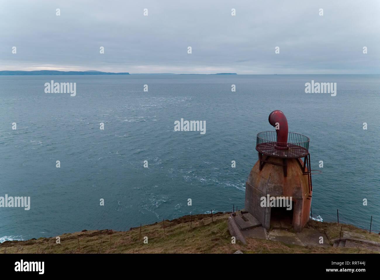 Old fog horn, Kintyre lighthouse - Stock Image