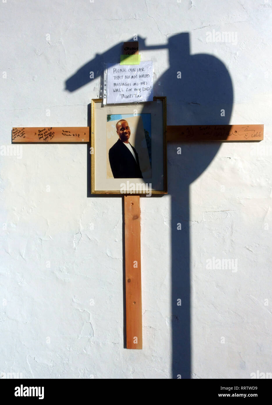 Memorial to fatal stabbing victim Dennis Anderson in East Dulwich, South East London - Stock Image