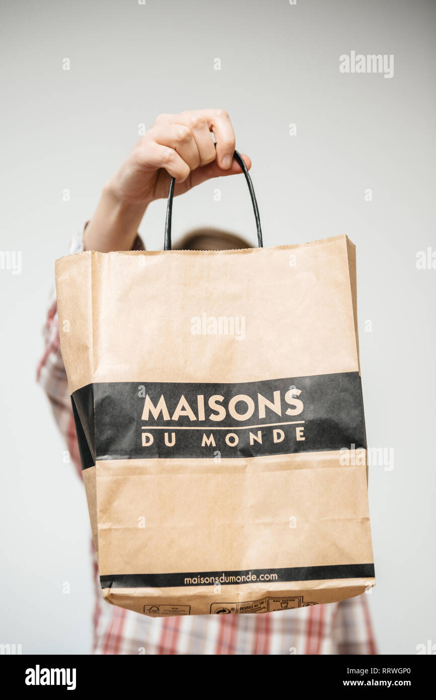 latest paris france dec woman paper bag from maison du. Black Bedroom Furniture Sets. Home Design Ideas