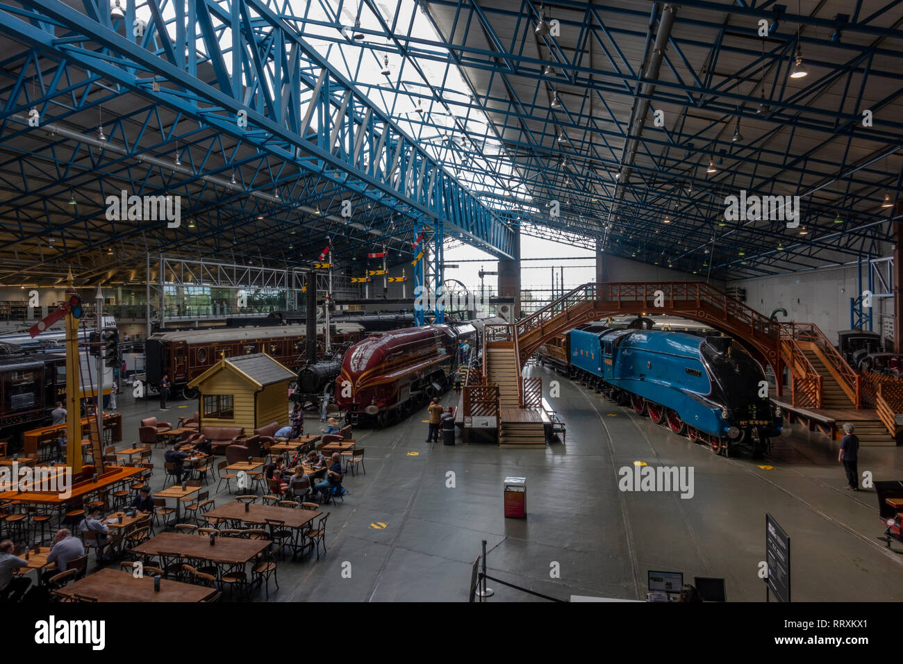 General view of the Main Hall featuring the Mallard (blue Loco on the right), National Railway Museum, York, UK. - Stock Image
