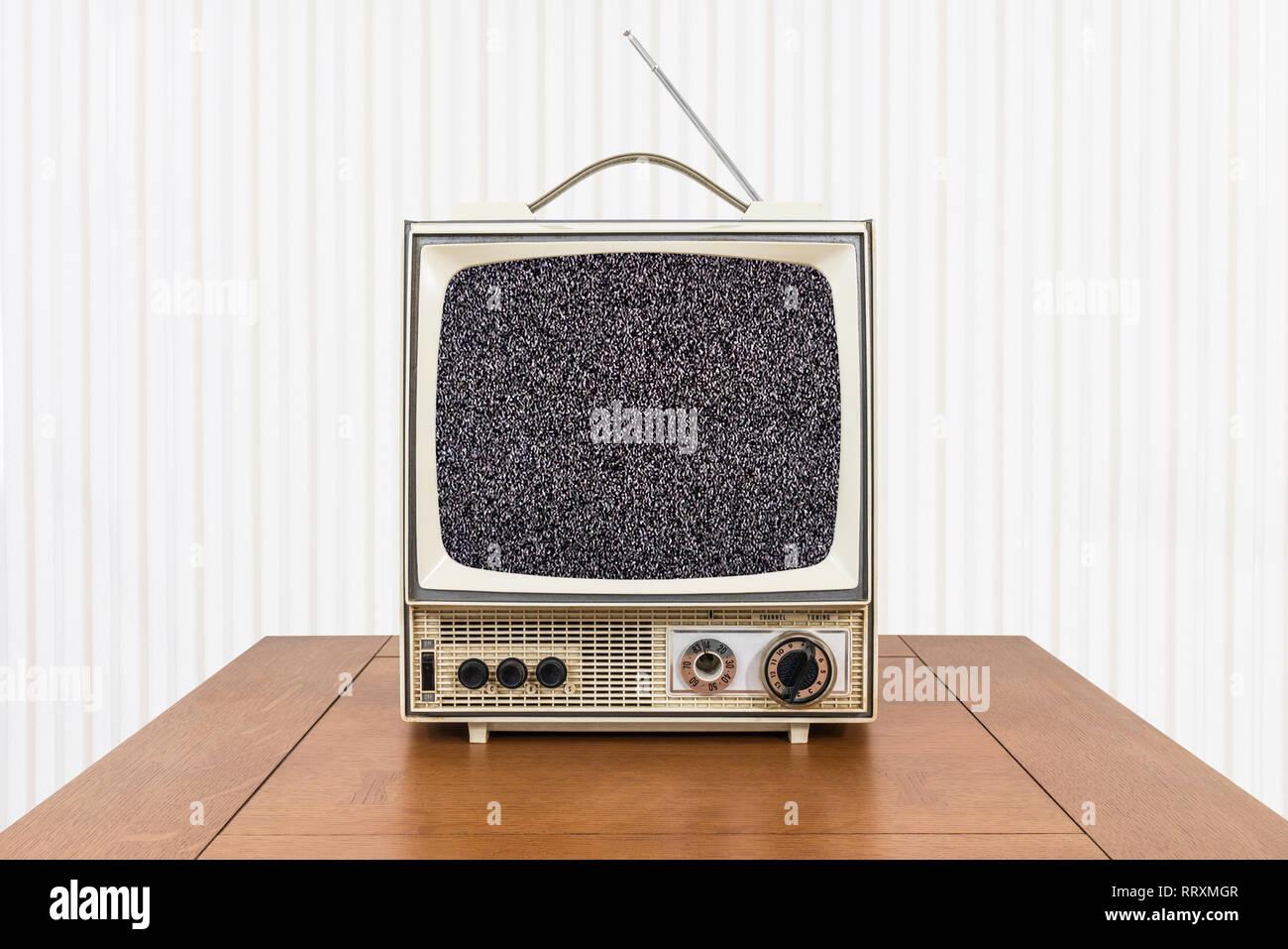 Tv Set 70s Stock Photos & Tv Set 70s Stock Images - Alamy