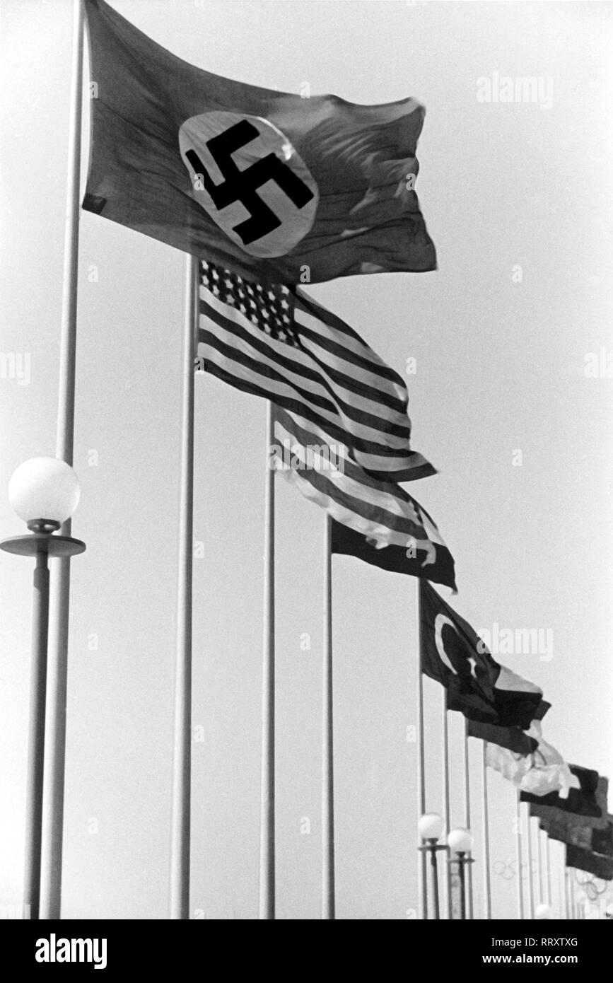 Olympiade 1936 In Berlin Deutschland Deutsches Reich Olympische Sommerspiele Olympiade 1936 In Berlin Internationale Flaggenparade Angefuhrt Von Der Hakenkreuzfahne Germany Third Reich Olympic Games Summer Olympics 1936 In Berlin Flags Of