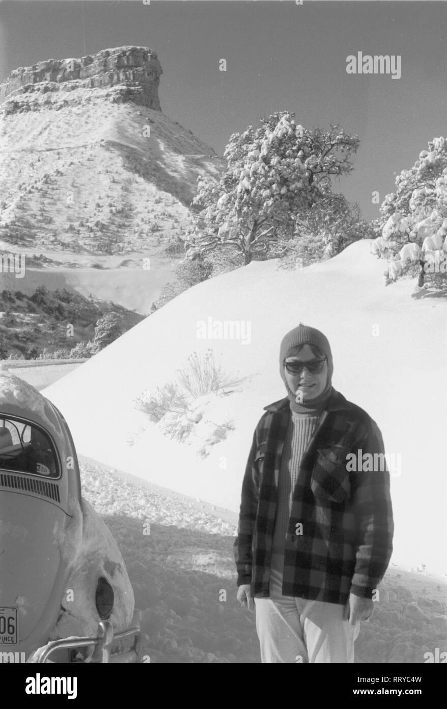 VW Beetle - VW Käfer unterwegs  -  In den Rocky Mountains  -  XVIII - Stock Image