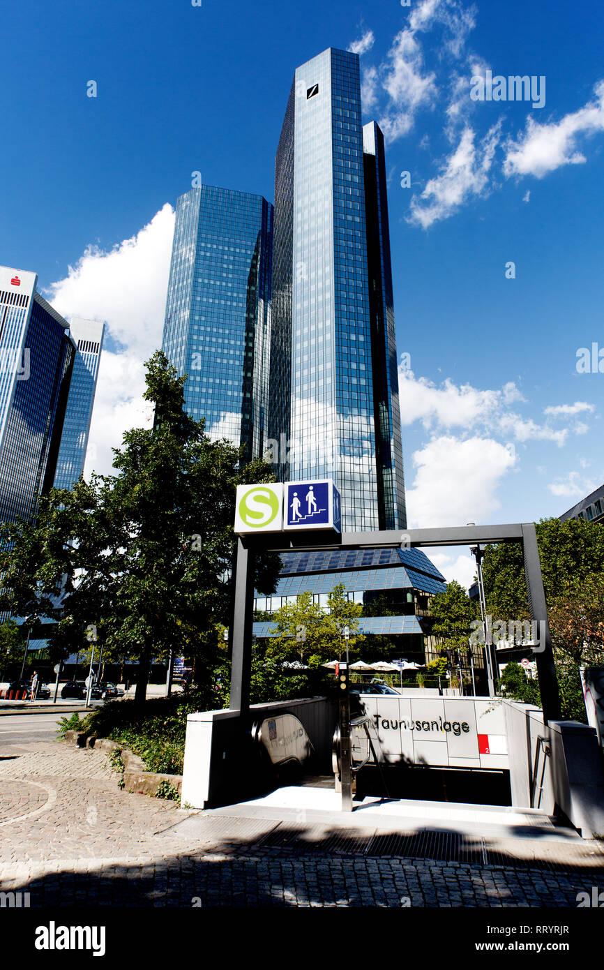 Europa Deutschland  HESSEN: Hauptsitz der Deutschen Bank in Frankfurt am Main - Stock Image