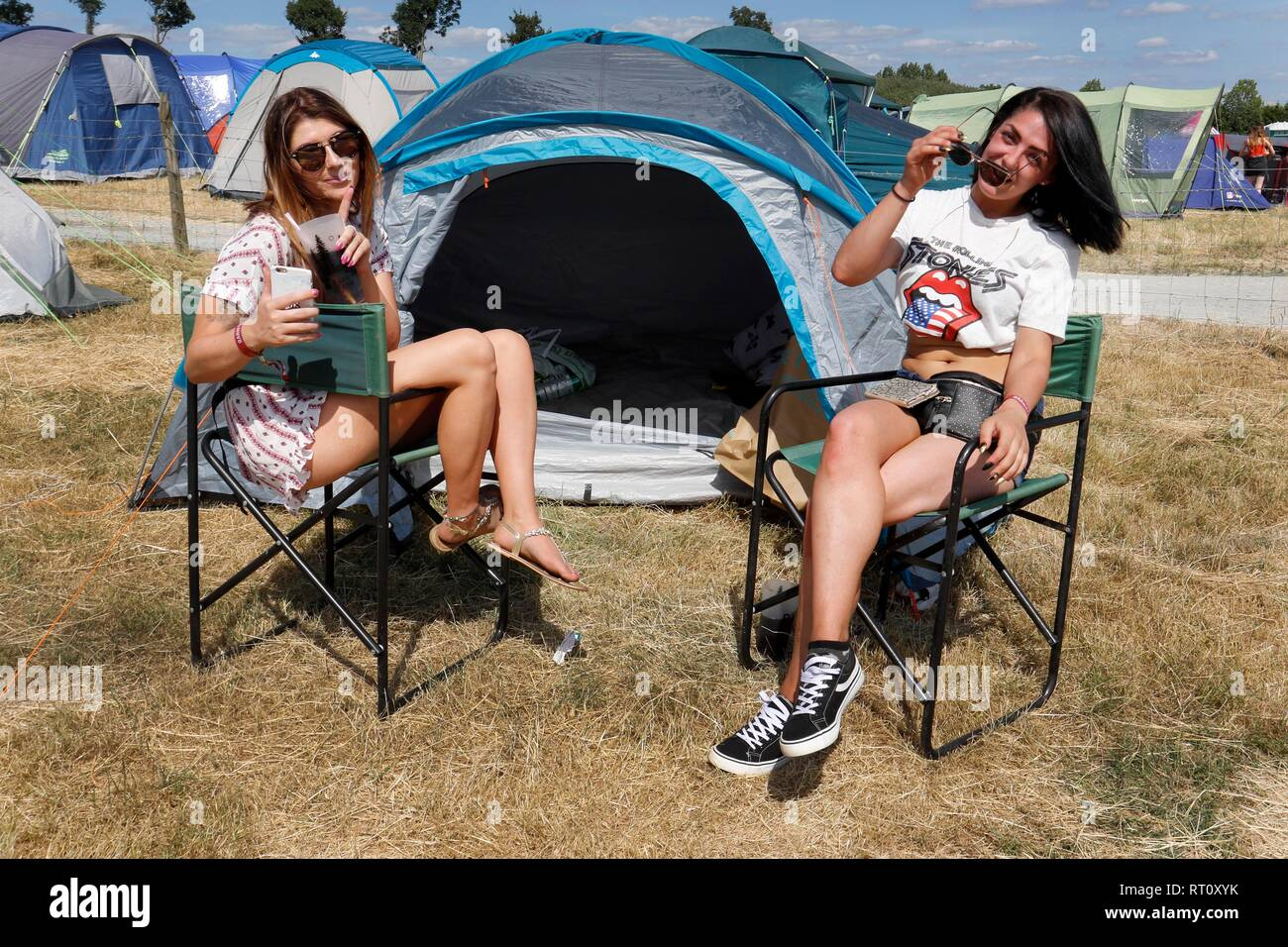 Friends camping at the Barn On The Farm festival, at Over Farm, near Gloucester, this weekend.  7th July 2018  Picture by Andrew Higgins - Thousand Wo - Stock Image