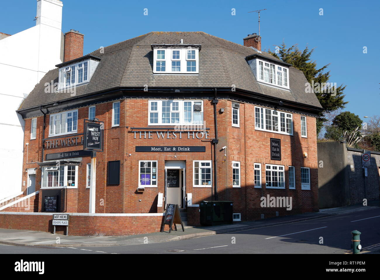 Plymouth, Devon, UK. 26th February, 2019. View of West Hoe Public House and Restaurant from West Hoe Road in Plymouth. Stock Photo