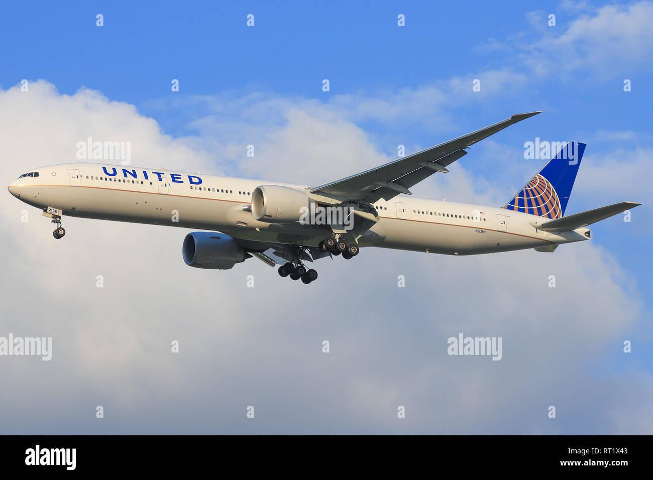TEL AVIV, ISRAEL-February 24, 2019: Boeing 777 of united At Ben-Gurion international Airport. - Stock Image