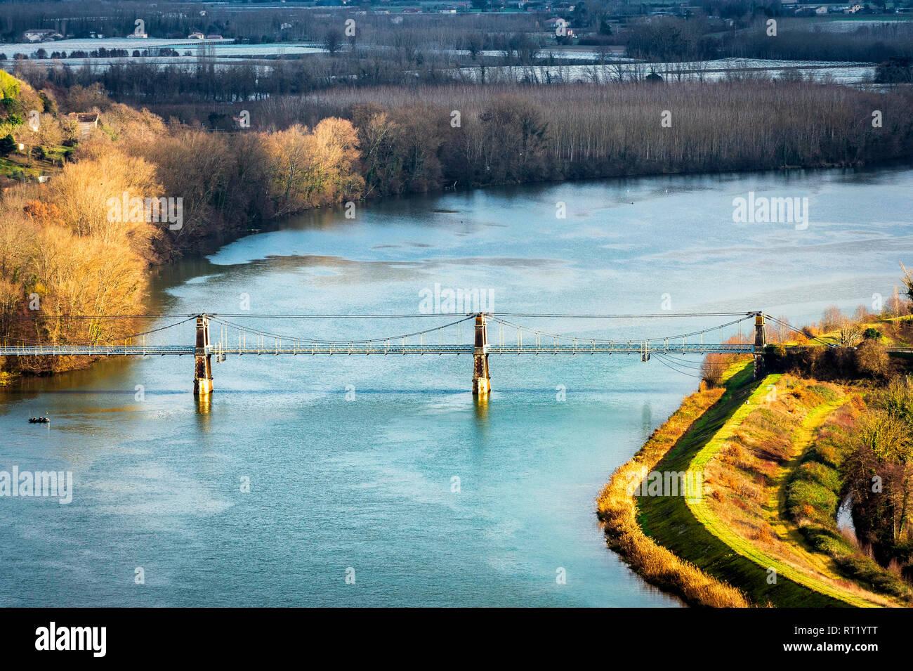 Pont Coudo Confluent du Tarn et Garonne, pont rivières à St Nicolas de la Grave, sud-ouest, Tarn et Garonne. France 82 Stock Photo