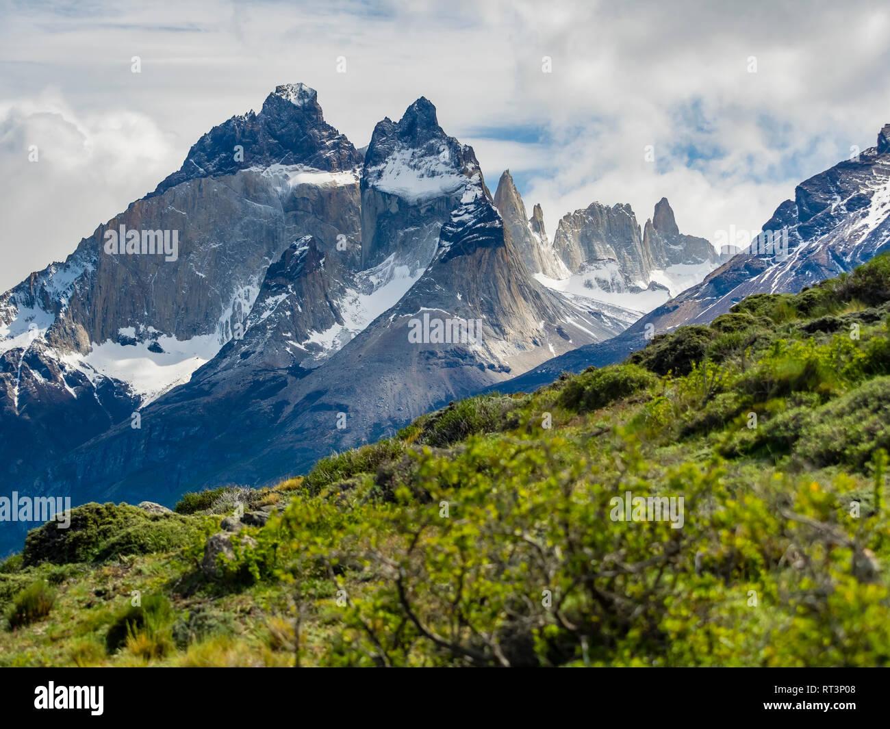 Chile, Patagonia, Torres del Paine National Park, Cerro Paine Grande and  Torres del Paine - Stock Image