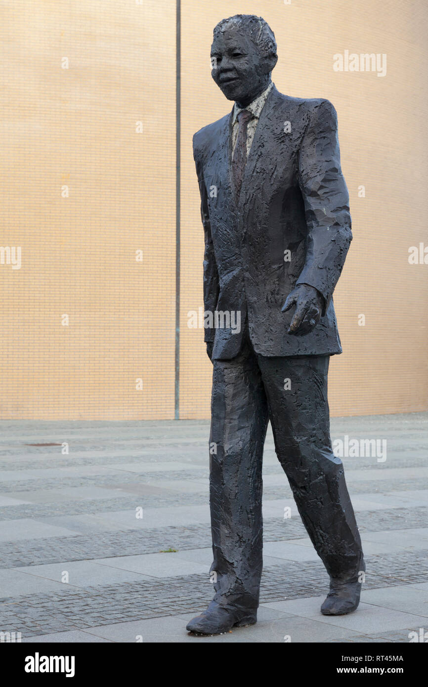 Nelson Mandela, Statue, Den Haag, Additional-Rights-Clearance-Info-Not-Available - Stock Image