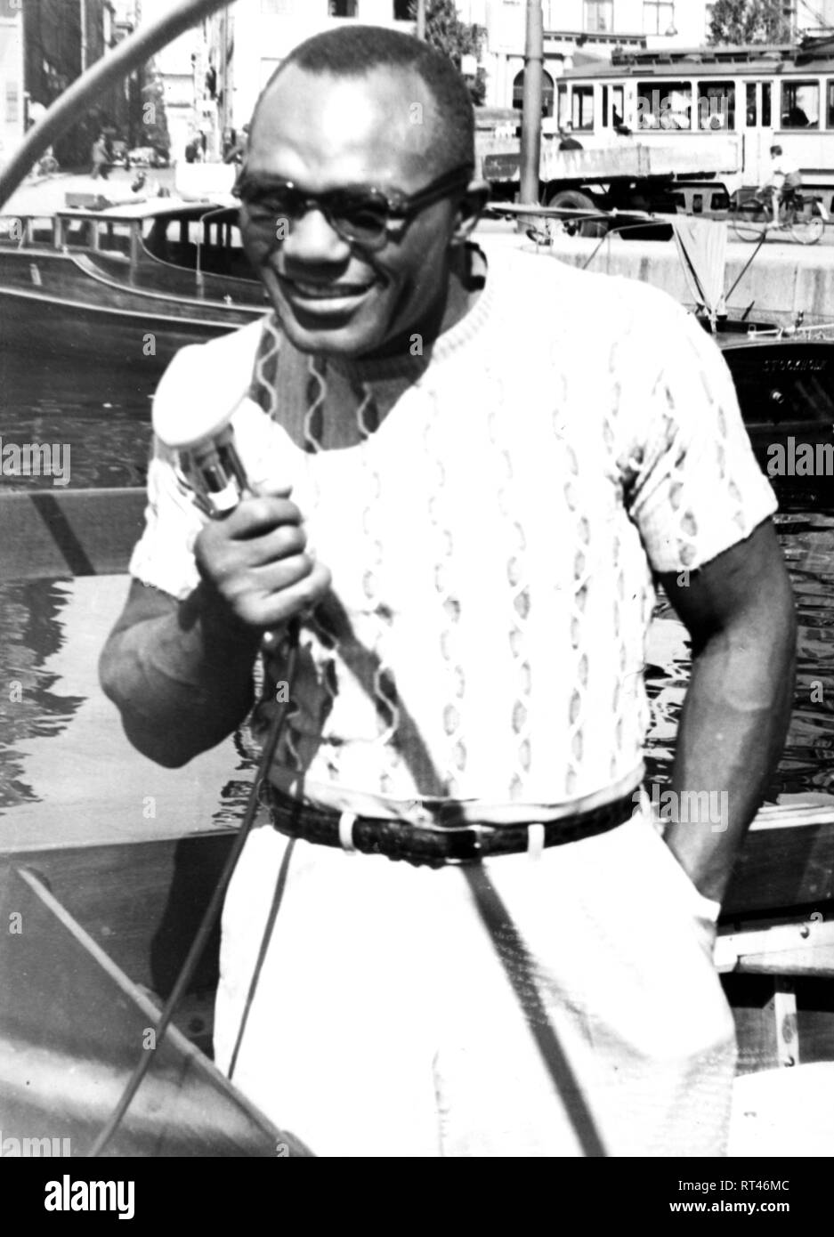Walcott, Jersey Joe, 31.01.1914 - 25.2.1994, American boxer, on an excursion boat, during the Universal Sport Exhibition, Stockholm, 1949, Additional-Rights-Clearance-Info-Not-Available - Stock Image