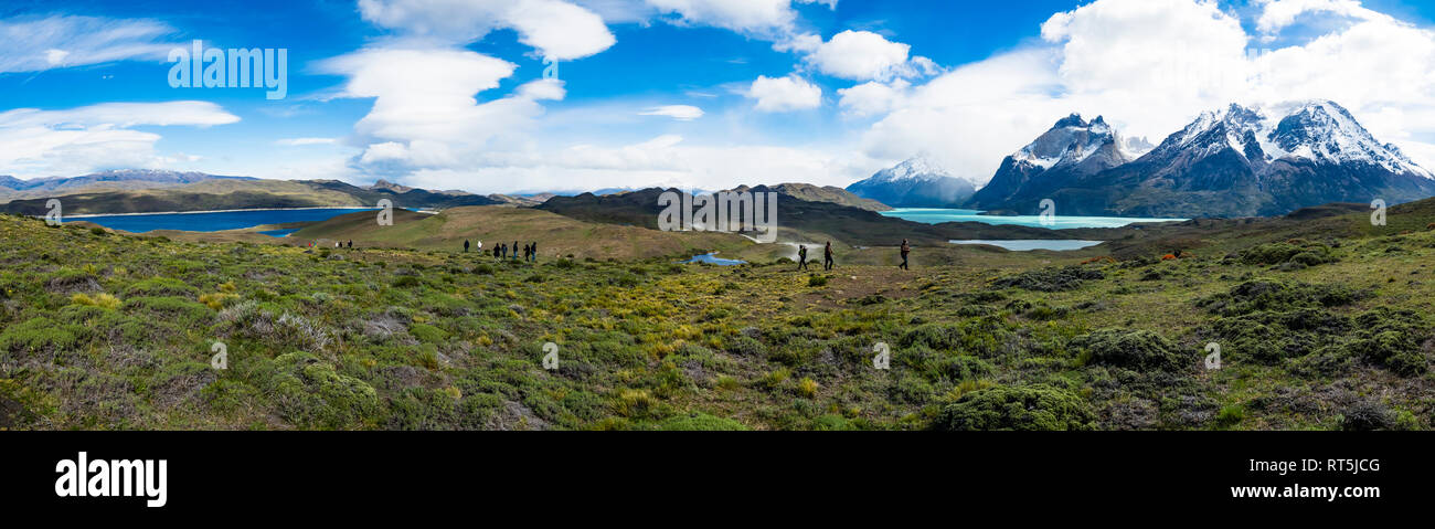 Chile, Patagonia, Torres del Paine National Park, Cerro Paine Grande and  Torres del Paine, Lago Nordenskjold and tourists - Stock Image