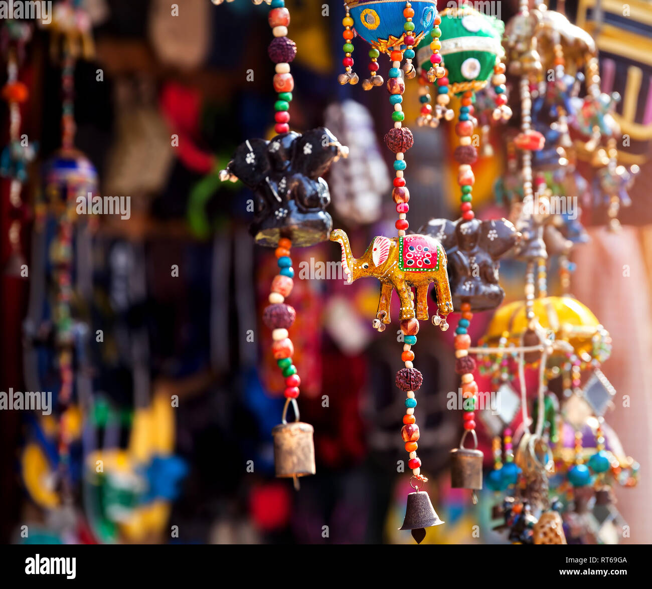 Elephant toys in the shop at Indian market in Goa - Stock Image