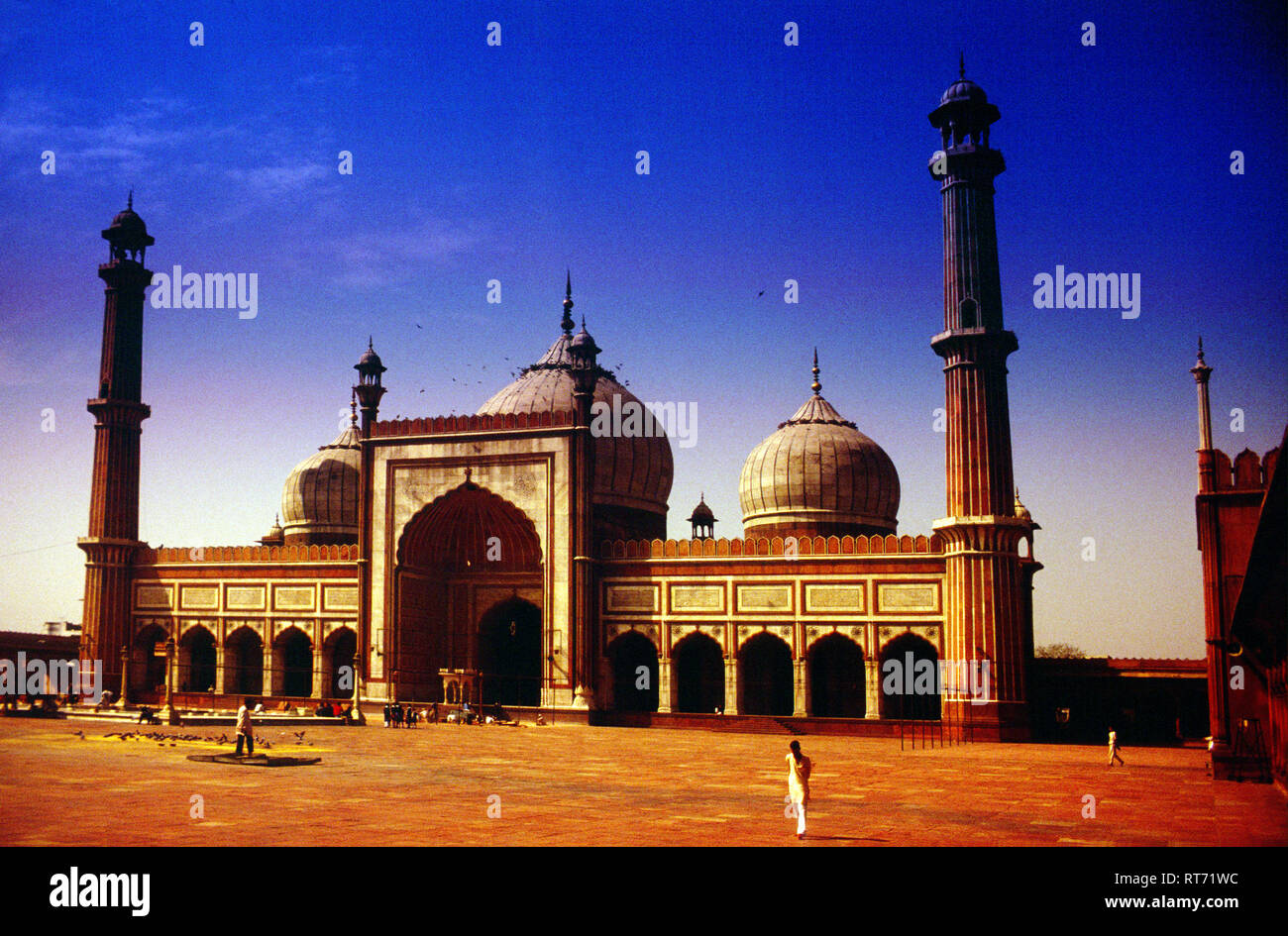 The Masjid-i Jahān-Numā, Jama Masjid, Friday Mosque, built by, Mughal Emperor, Shah Jahan, 1644 and 1656, Delhi, India, - Stock Image