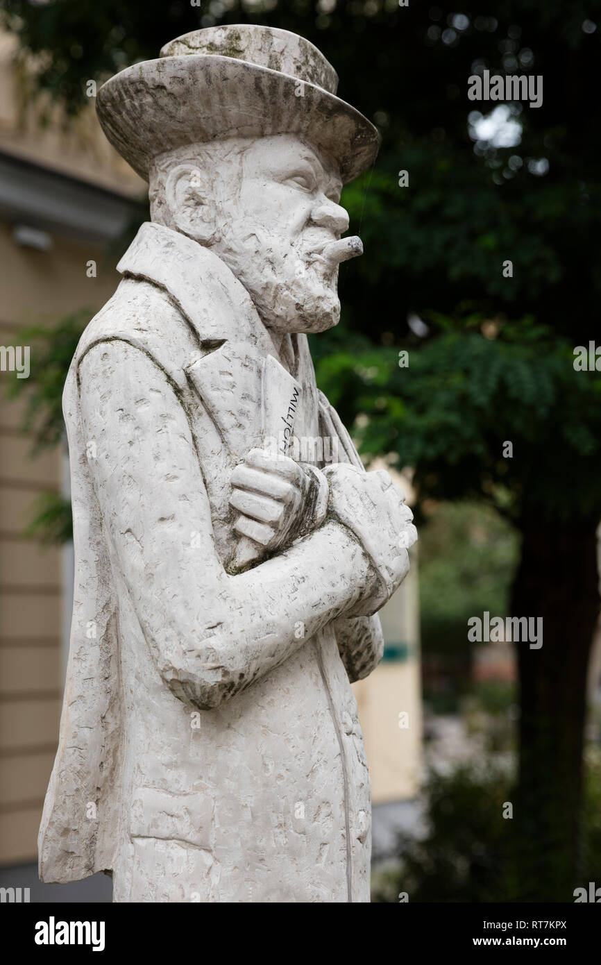 Heinrich Zille, statue, Nikolaiviertel, Berlin, Germany, Additional-Rights-Clearance-Info-Not-Available - Stock Image