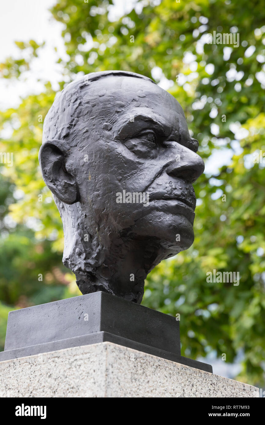 Thomas Mann, bust, Street of Remembrance, Berlin, Germany, Additional-Rights-Clearance-Info-Not-Available - Stock Image