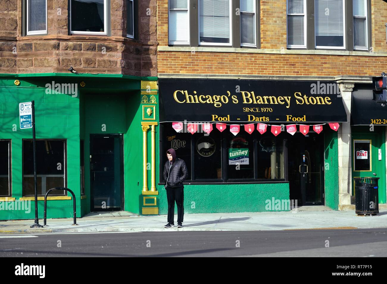 Chicago, Illinois, USA. An Irish pub on the city's North Side in Wrigleyville area of the Lake View neighborhood. - Stock Image