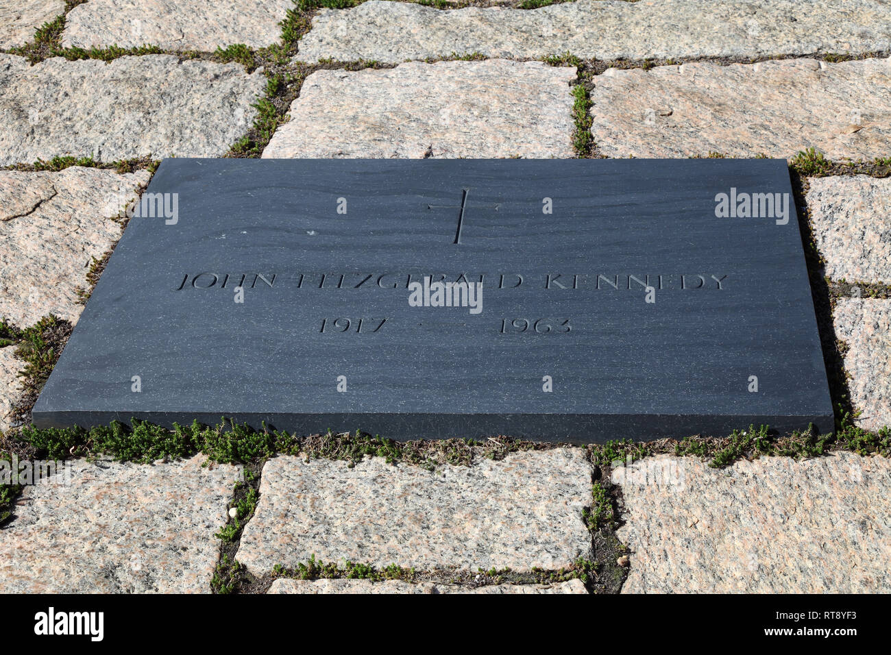 Kennedy, John F, tomb at Arlington Friedhof, Washington D.C., Additional-Rights-Clearance-Info-Not-Available - Stock Image