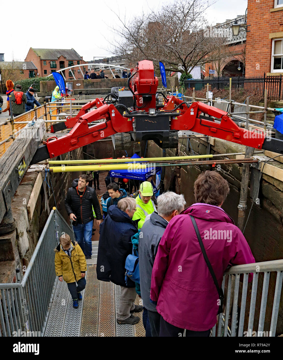 People using the stairs to enter lock 92 During the winter 2018 -19 maintaince works the Canal and River Trust held a public open day in Manchester - Stock Image