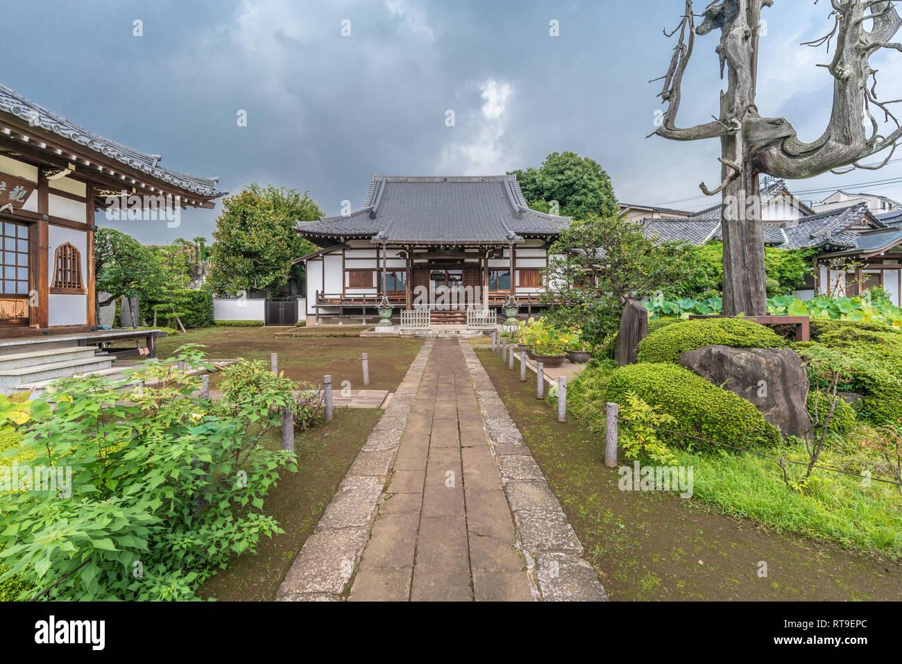 Setagaya, Tokyo, Japan - August 19, 2017: Enjo-in or Enjou-in. Shingon sect, Toyoyama school of Buddhism temple. One of Tamagawa 88 sacred temples Stock Photo