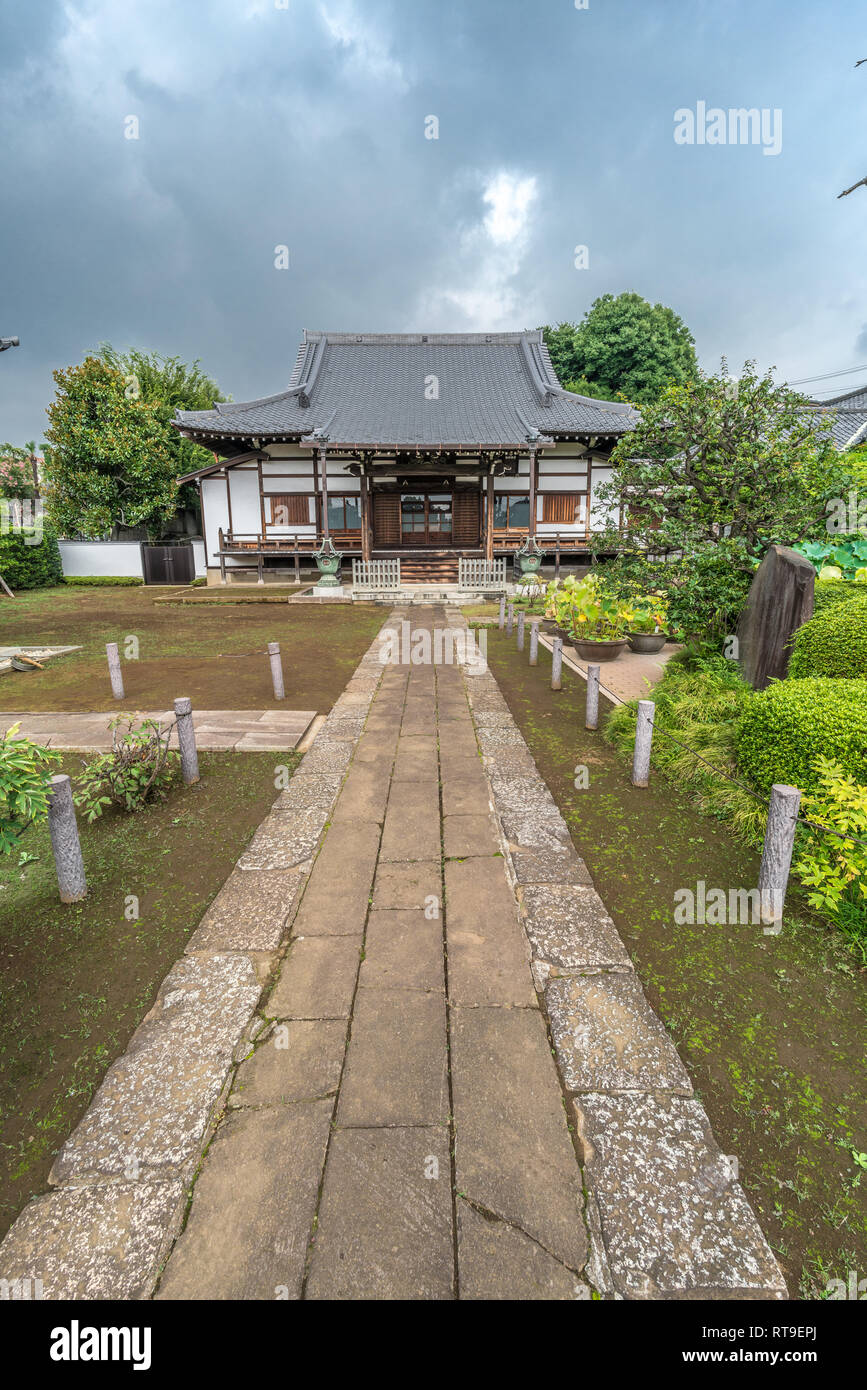 Setagaya, Tokyo, Japan - August 19, 2017: Honden (Main Hall) of Enjoin or Enjouin. Shingon sect, Toyoyama school of Buddhism temple. One of Tamagawa 8 Stock Photo