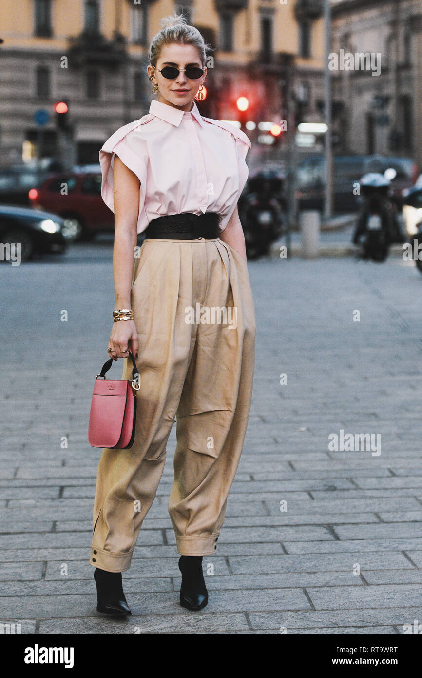 Street Style High Resolution Stock Photography And Images Alamy