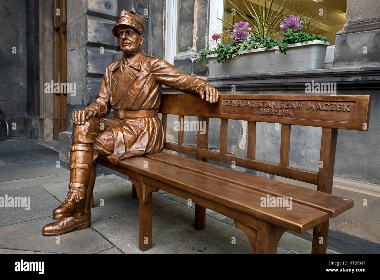 Statue of the Polish war hero General Stanislaw Maczek at the City Chambers on The Royal Mile in Edinburgh's Old Town. Stock Photo