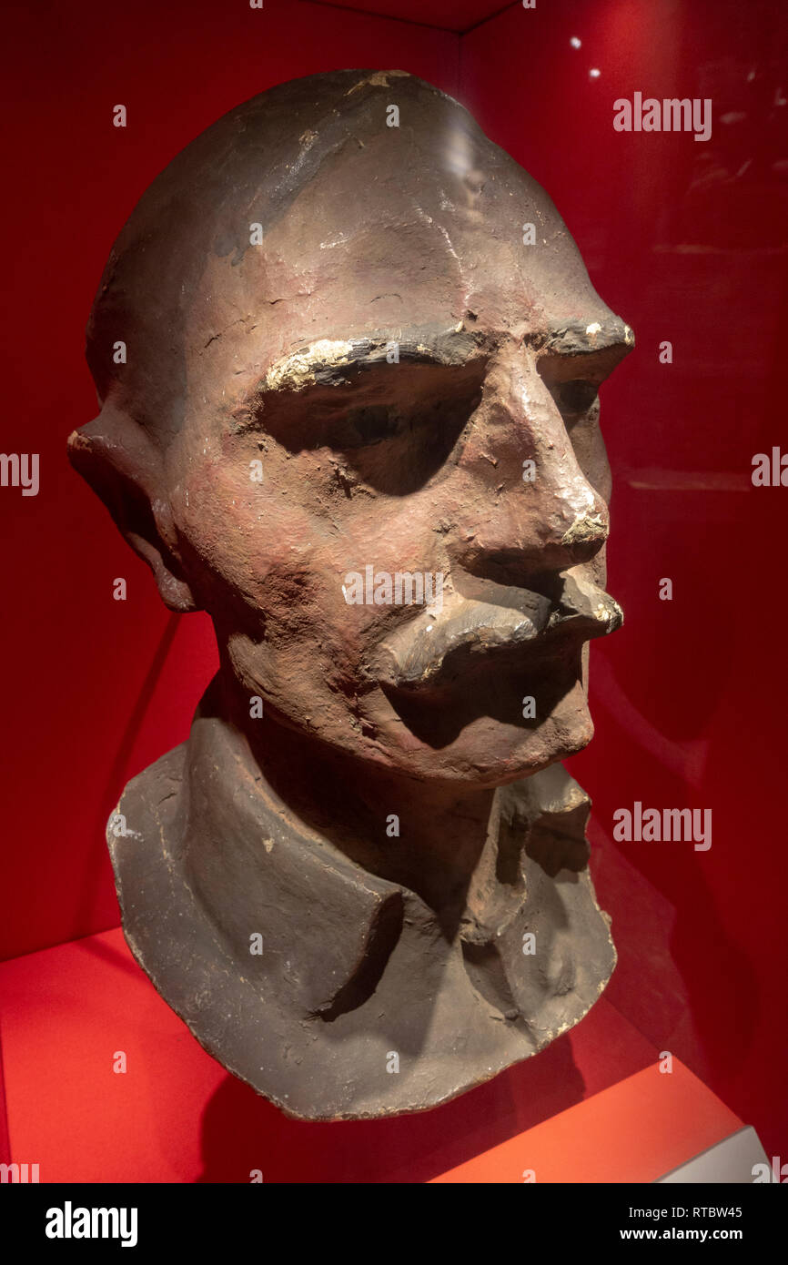 A papier mache 'dummy head' from 1916, used to draw enemy fire, York Castle Museum, York, Yorkshire, UK. - Stock Image