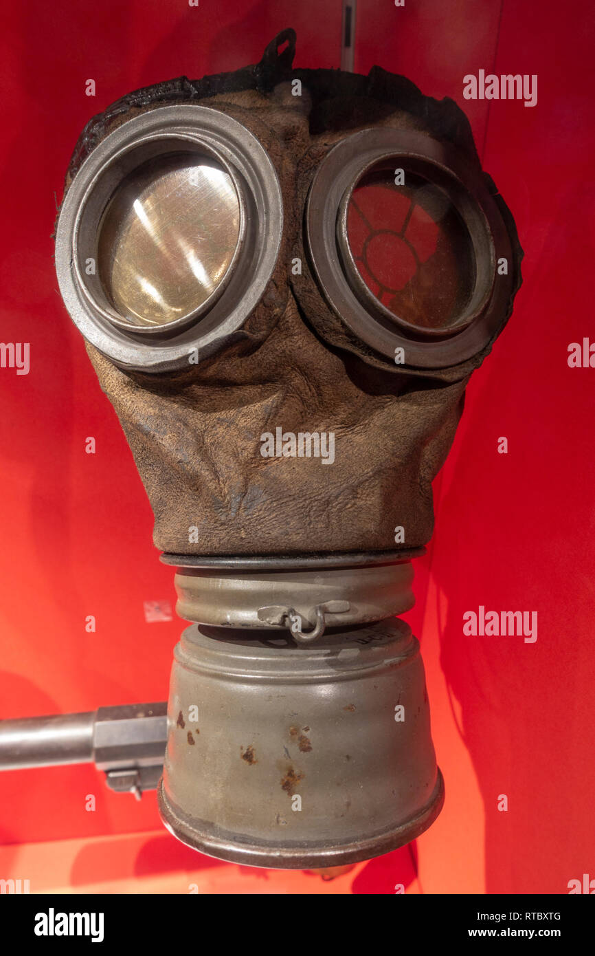 A World War One German respirator M1917 'lederschutzmaske', York Castle Museum, York, Yorkshire, UK. - Stock Image