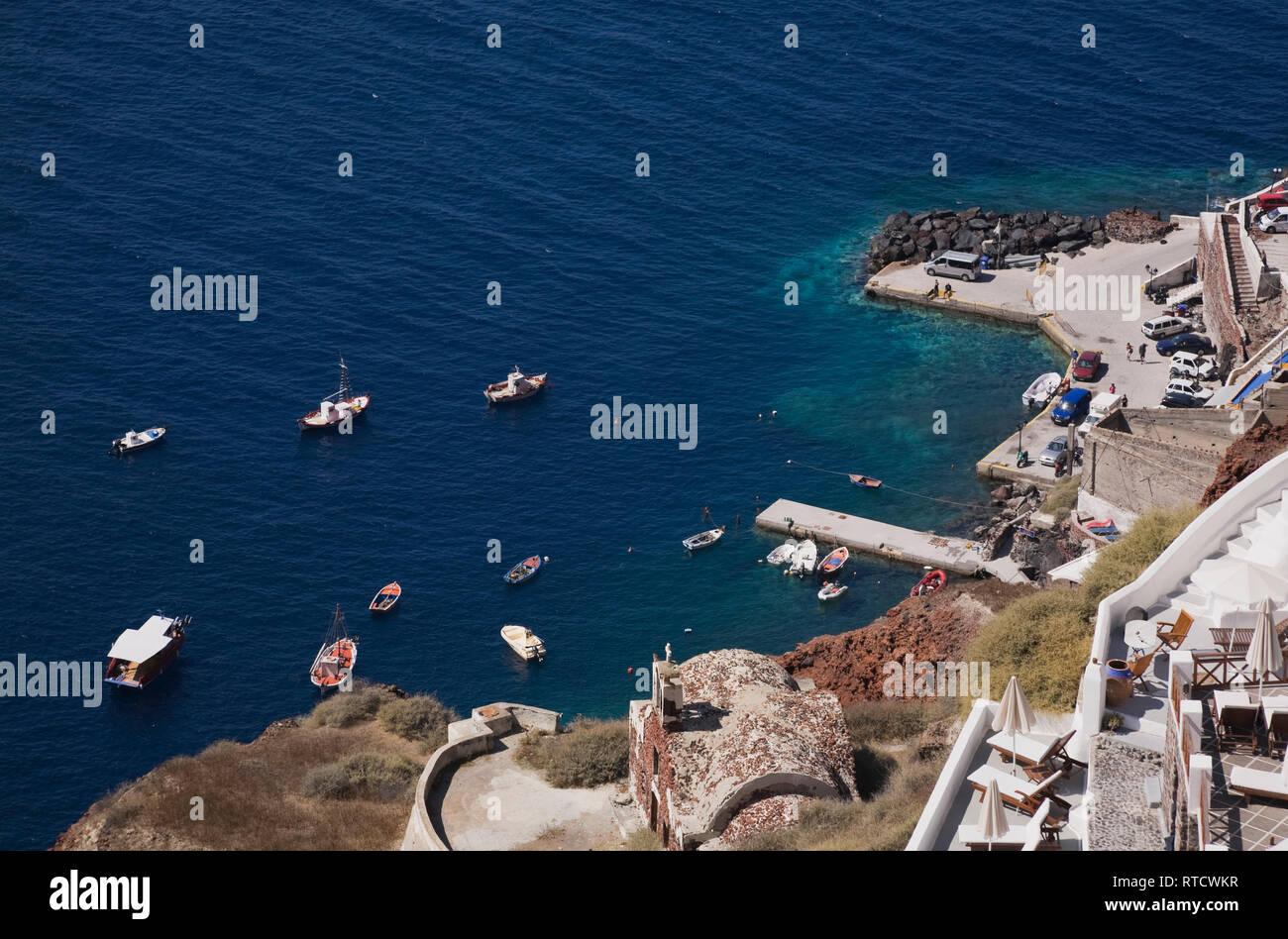 Overall view of the harbour at Oia village, Santorini, Greece - Stock Image