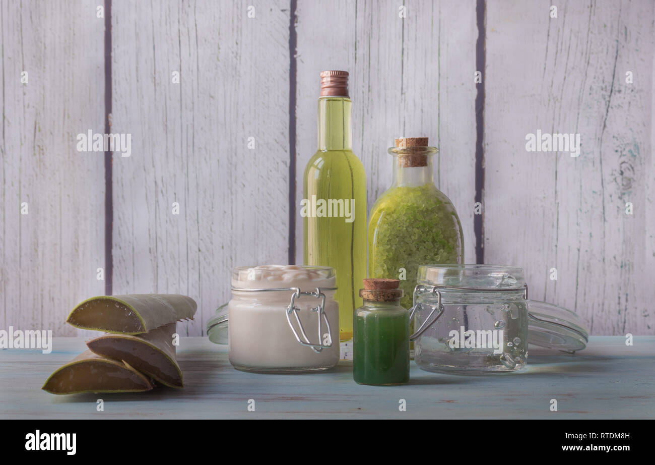 Homemade Aloe Vera spa with natural ingredients, face cream, soap, bath salts and facial tonic - Stock Image