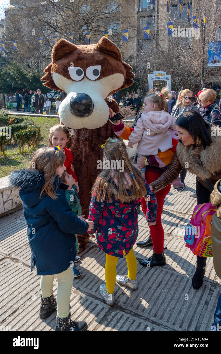 Sarajevo, Bosnia And Herzegovina. 1st March, 2019. . Vucko (Mascot of Winter Olympic Games 1984.) celebrating Independence Day with kids Credit: Vedad Ceric/Alamy Live News - Stock Image