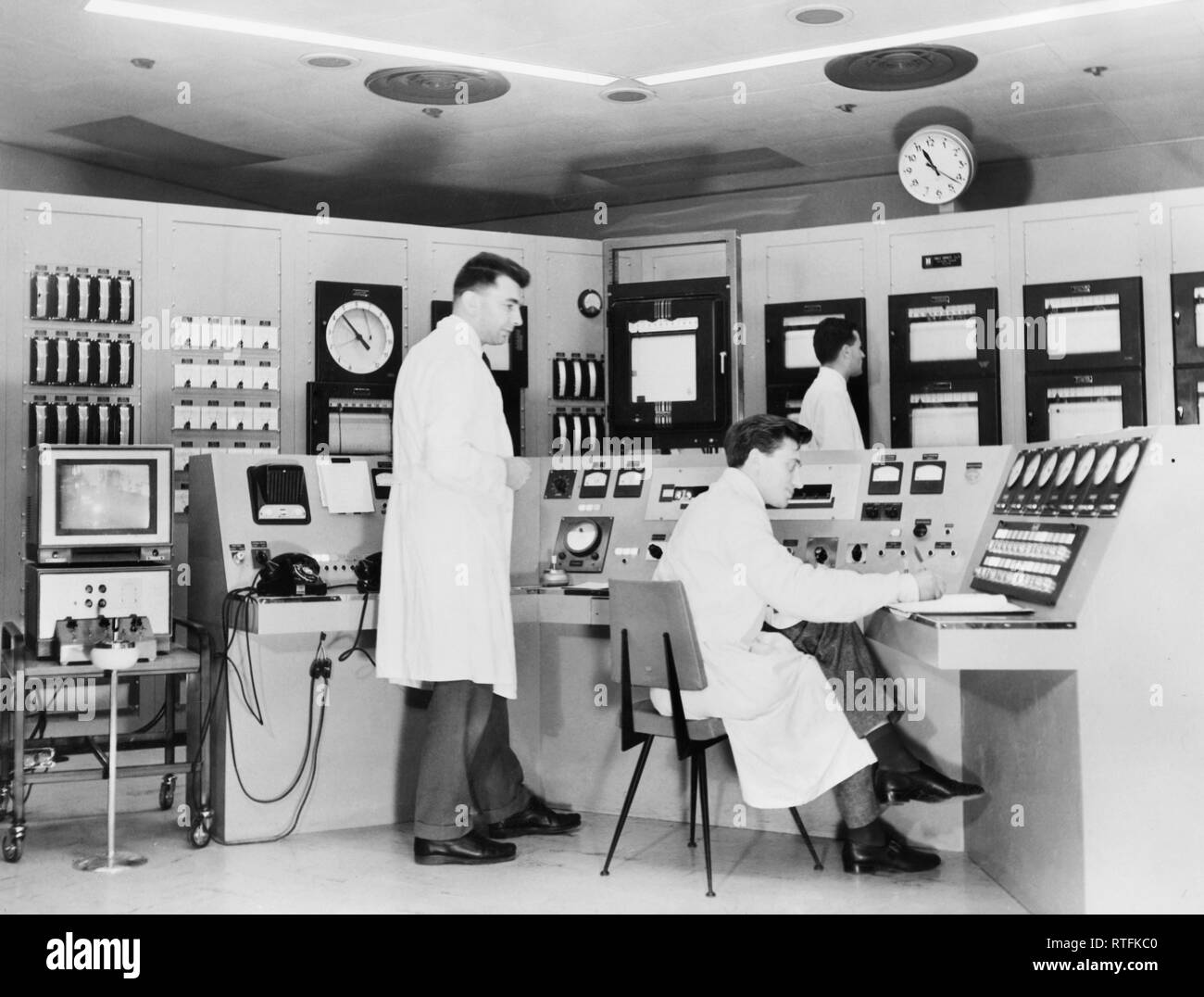 Nuclear techniques in the control room, 1959 Stock Photo