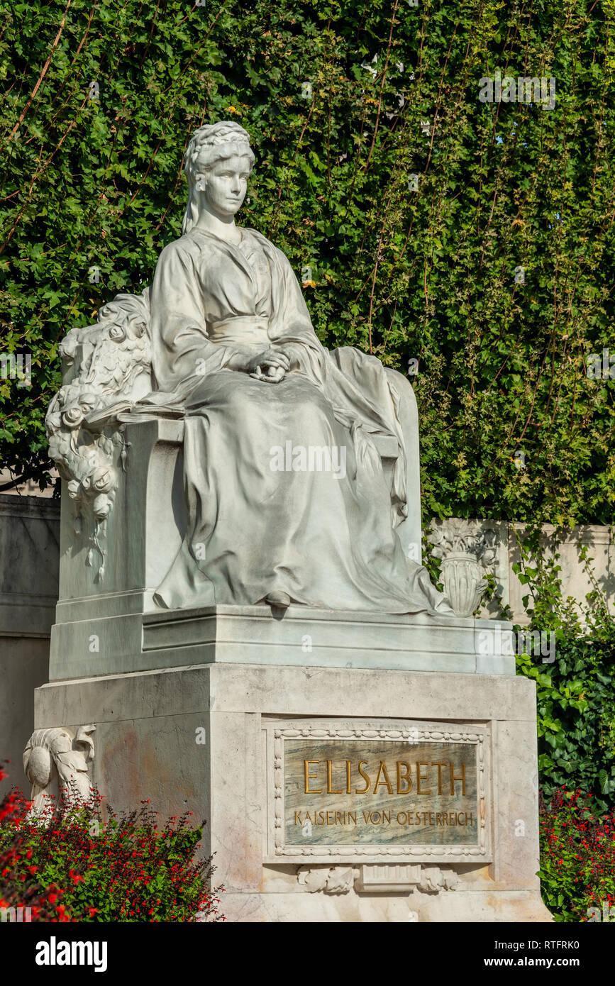 Monument of Empress Elizabeth in the park Volksgarten of Vienna - Stock Image