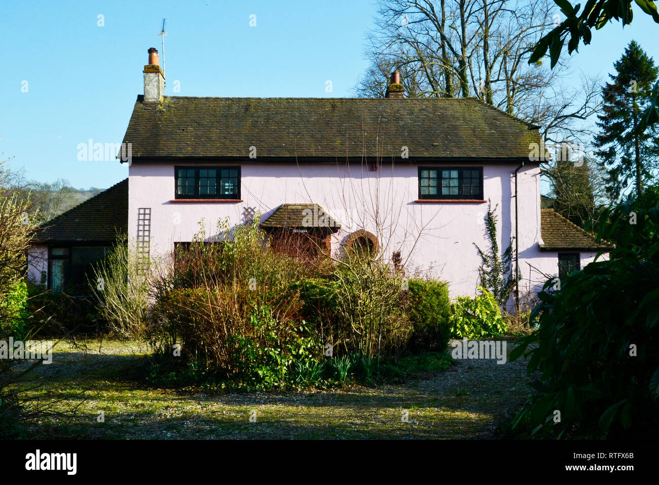 Pink House on the Aylesbury Road, Princes Risborough, Buckinghamshire, UK - Stock Image