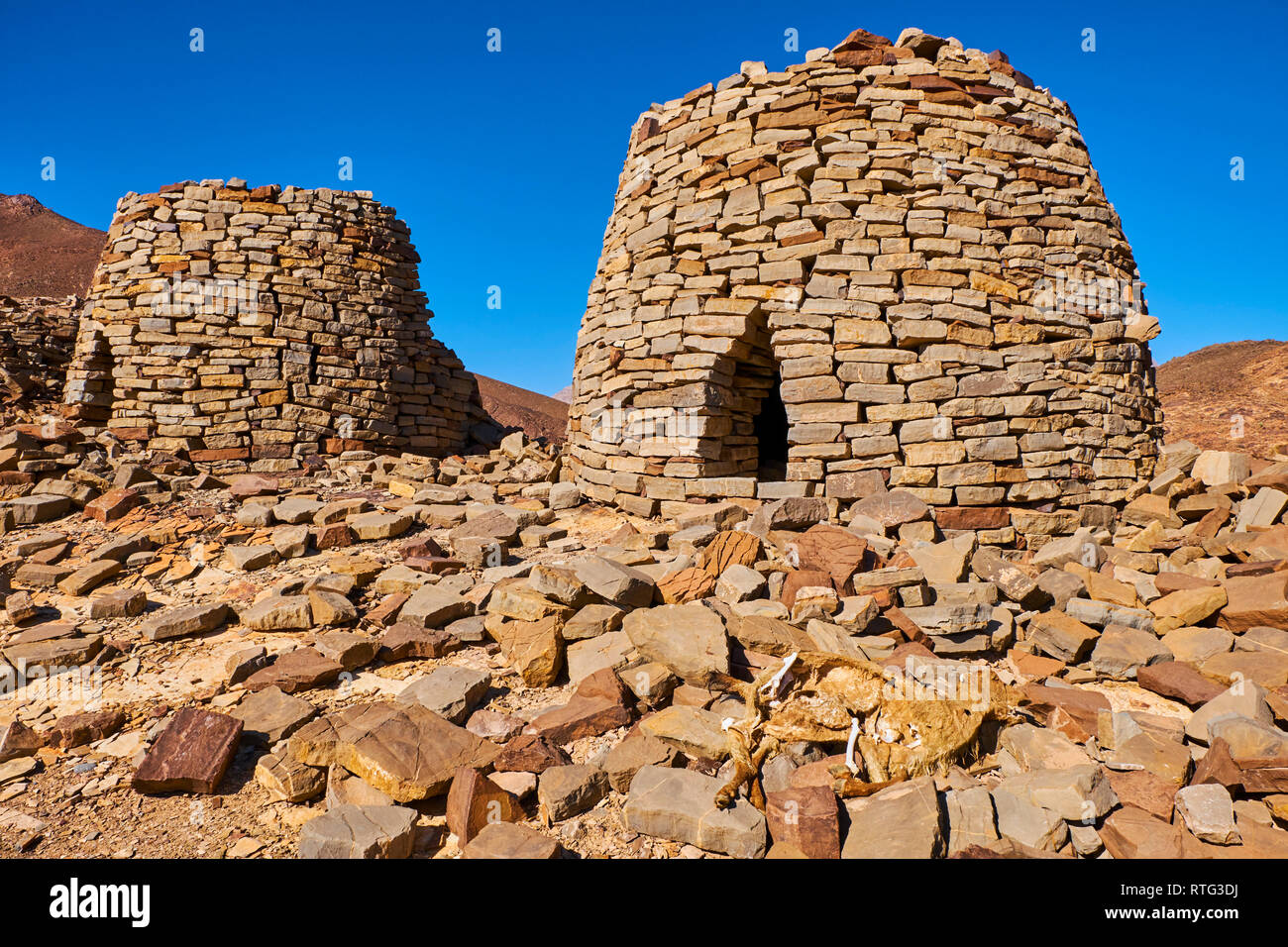 Sultanate of Oman, Ad Dhahirah region, Wadi Damm, 5000 year old stone tomb at Al Ayn, UNESCO World Heritage Site - Stock Image