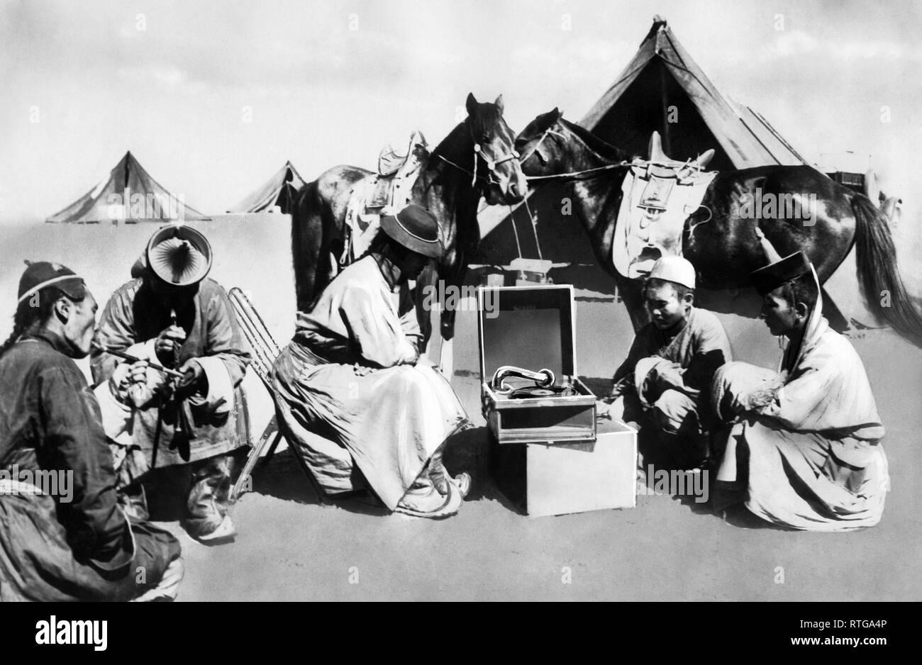 amendment in the desert, Mongolia, 1910-20 - Stock Image