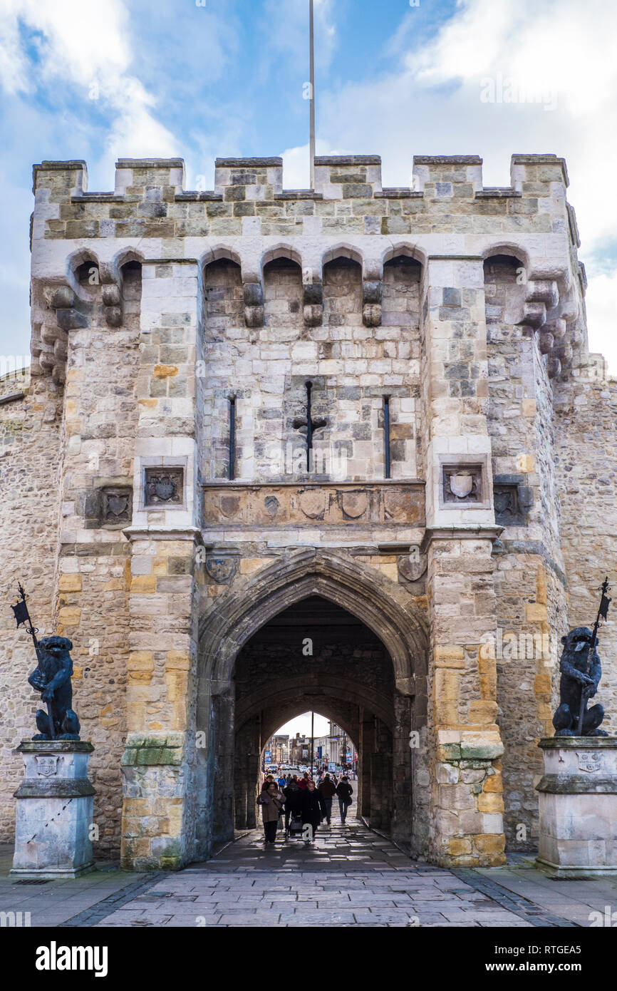The historic medieval Bargate in the city walls of Southampton. Stock Photo